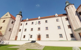 Orechov Castle - interactive spherical panorama